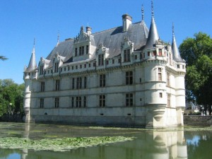 Château d'Azay-le-Rideau in the Loire (Wikipedia Commons)